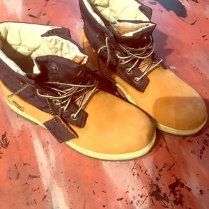 Timberlands roll top